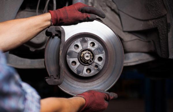 Manutenzione freni auto